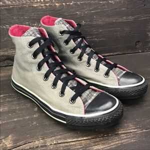 Converse All Star Chuck Taylor high tops Size 6